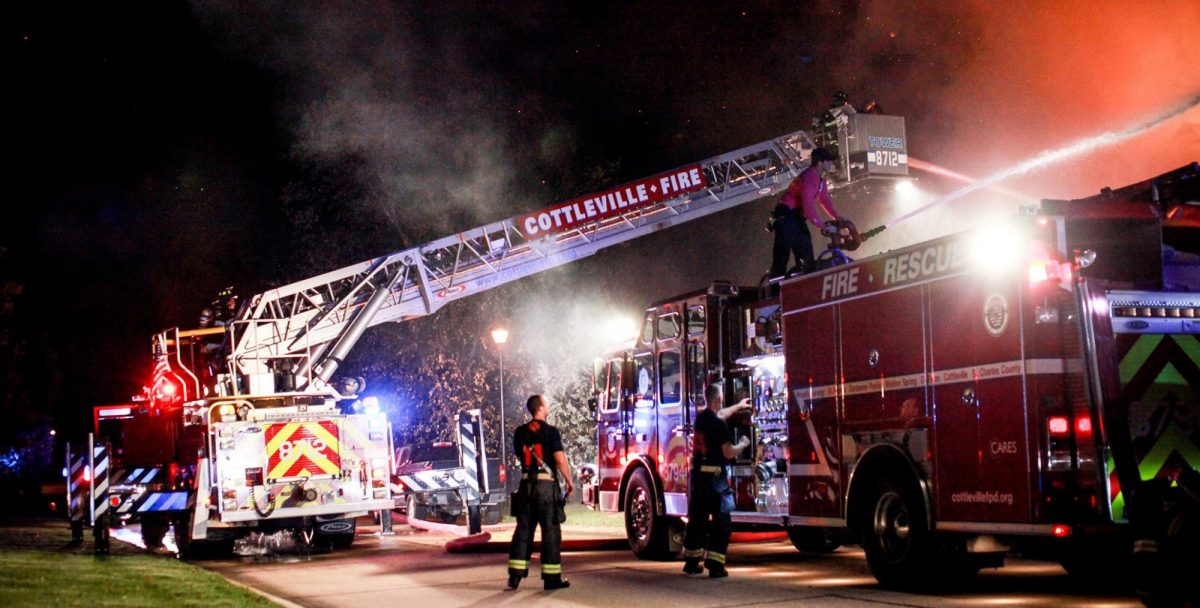 night fire in Cottleville